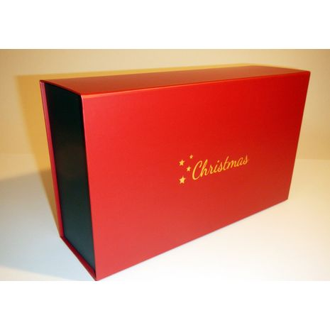 Red and green hamper with chrismas logo on the lid